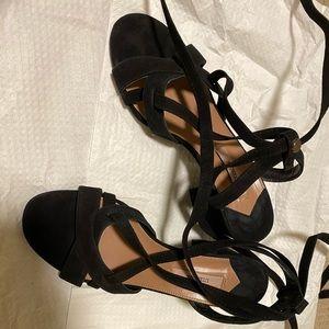Uterque long tie sandal
